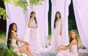 """MAMAMOO describe 'WAW' as reflection of the group's """"harmony and chemistry"""""""