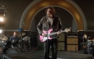 John Mayer takes it back to the '80s in video for new single 'Last Train Home'