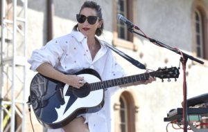 KT Tunstall scraps 2021 tour dates over hearing loss fears