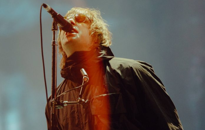 Fan claims Liam Gallagher took photos with Reading Festival crowd for his next album