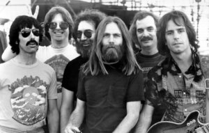 Grateful Dead t-shirt from 1967 breaks record at auction sale